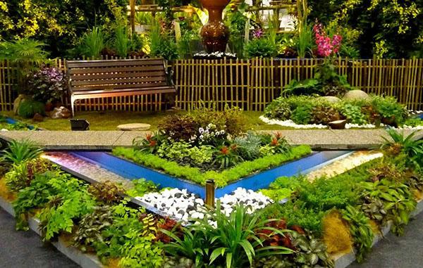Дизайн садового участка - Клумба